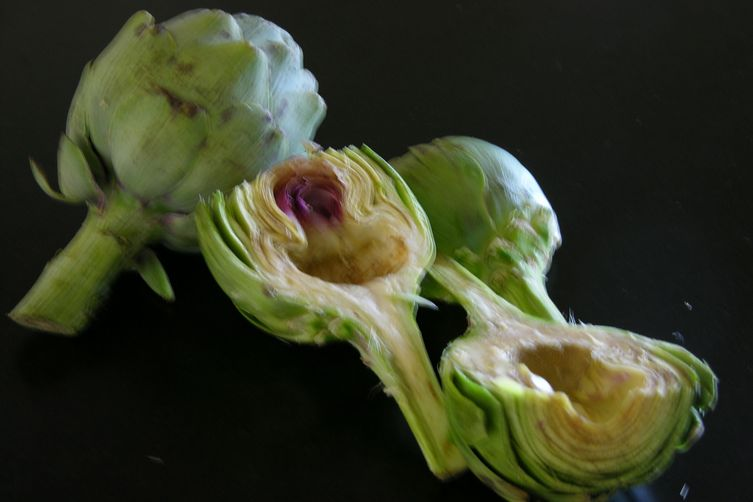 Tarragon-Lemon Aioli Served with Grilled Artichokes