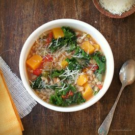 7cbcee41-d22f-4ccc-b1a7-24e1bd5fb6f0.farro_and_kale_soup_tf