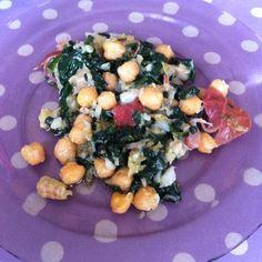 Love green leaves, love mediterranean cuisine, love this plate