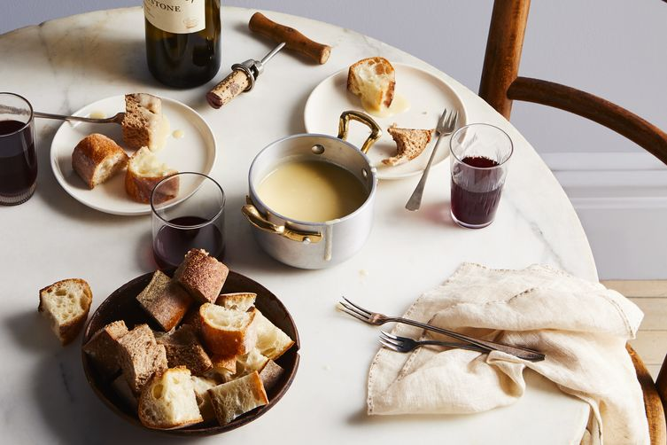 Traditional Fondue Fribourgeois - Legendary and Original