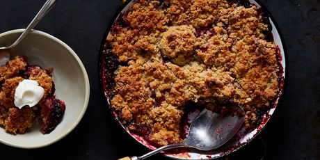 This snickerdoodly plum crumble is the season's grand finale