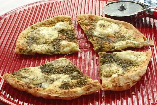 Za'atar and Cheese Pita Pizza
