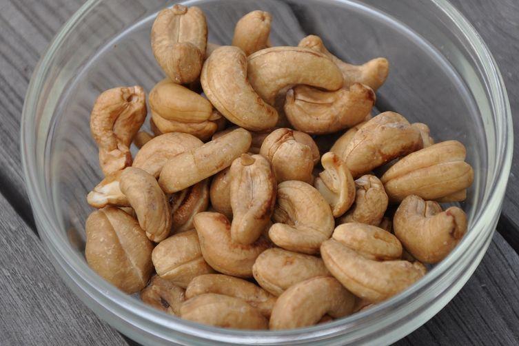 Crispy Ginger Tamari Cashews