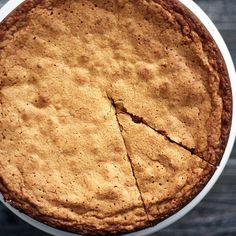 Simple Pistachio Almond Cake