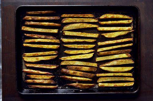Roasted Slap Fries with Srirachannaise