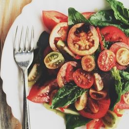 The Right Goodbye-Summer Tomato Spinach Salad