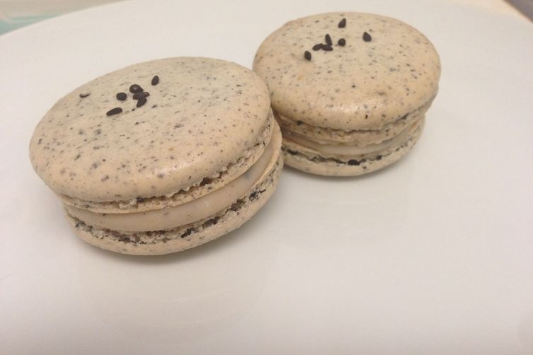 Sweet Black Sesame Macaron with Black Sesame and White Chocolate Ganache: