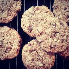 Silly Good Oatmeal Cookies with Golden Raisins (flourless and vegan)