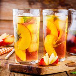 FRUIT-INFUSED ICED TEA