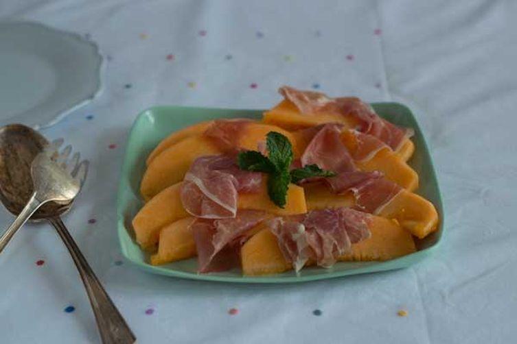 Prosciutto and Melon (prosciutto melone) - Antipasto (Starter)