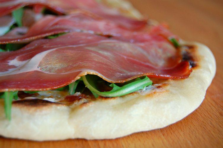 prosciutto and fig flatbread
