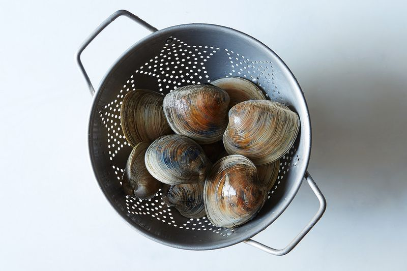 clams in a colander