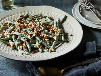 "A Tradition-Bucking Green Bean ""Casserole"" You'll Want to Make Before Thanksgiving"