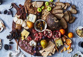 1d8f29b9 cfd8 43c7 b09f 2aaff2e8849b  2017 1115 dutchdeluxes extra large dutch bread boards carousel julia gartland 172