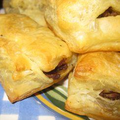 Tiny Meat Cakes (Bolos de Carne)