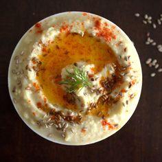 Hummus with sesame seeds (no tahini)