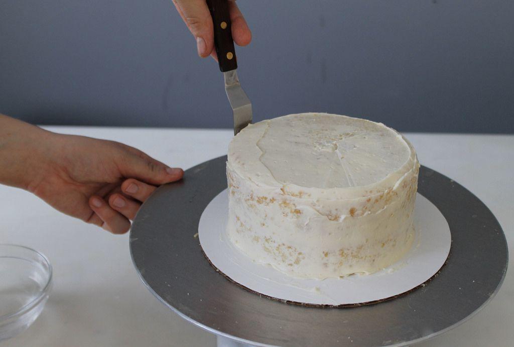 Square wedding cake assembly