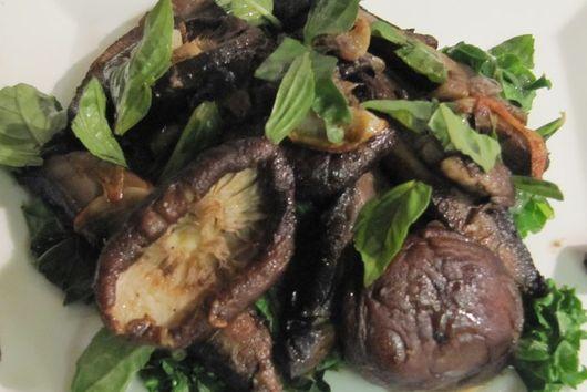 Pan Roasted Mushroom Salad with Wilted Kale