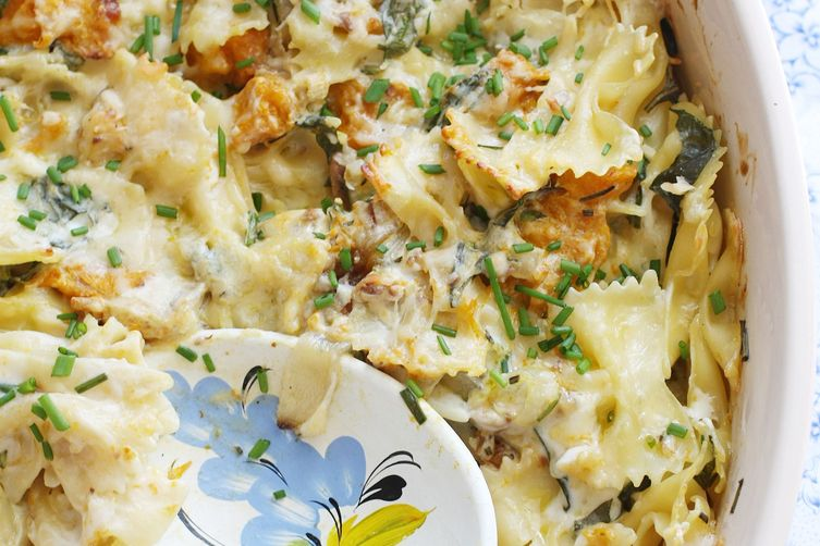 Roast pumpkin, herb & walnut pasta bake