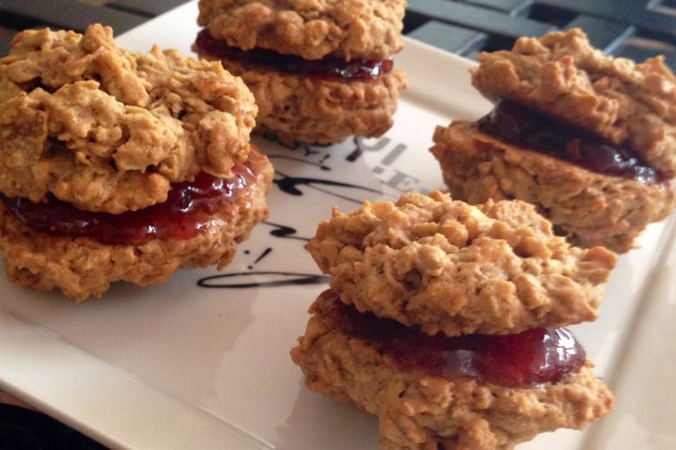 PB&J Cinnamon Cookie Sammiches