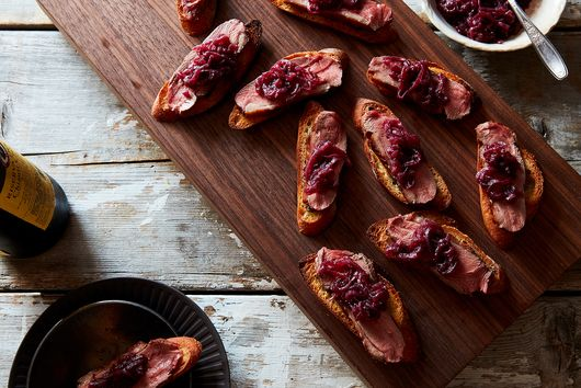 Crostini with Duck Breast and Red Onion Jam