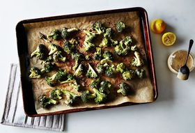 2a374d7b 64e8 4eee a5f0 4cb338f2151e  2015 0825 broccoli roasted with tahini garlic and lemon bobbi lin 8921