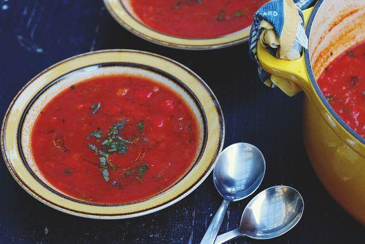 Tomato, Roast Red Pepper & Quinoa Soup