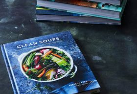 01fab627 013c 40e0 9a57 47e26639165e  2017 0111 clean soups cookbook bobbi lin 15162