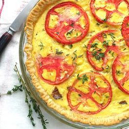 tomato bacon and onion quiche
