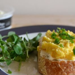 Soft Scrambled Eggs with Ricotta and Chives