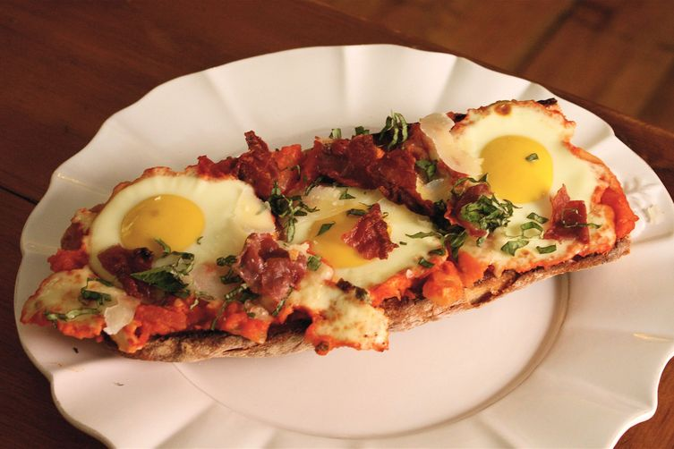 """Eggs in Pipérade"" Pizza with Crispy Prosciutto"