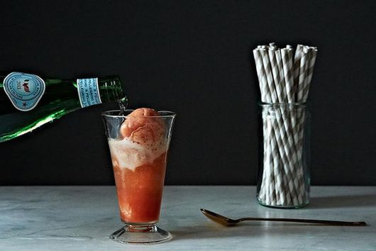 How to Make Any Ice Cream Float in 2 Steps