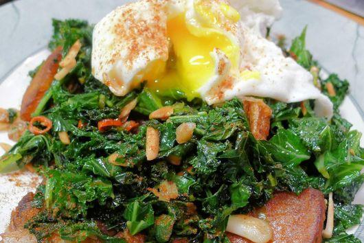 Almond & Garlic Kale with Sauté Potatoes & Poached Egg