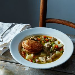 C527d44a b806 41fa bd1b cc226f355bec  2016 0426 chicken pot pie soup james ransom 027