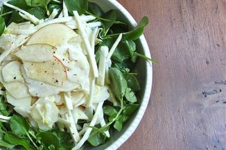 7c7b4039-ffb5-4db8-9e81-a814b7ffb569--raw_shaved_fennel_celery_root_and_apple_salad_with_buttermilk_dressing-600
