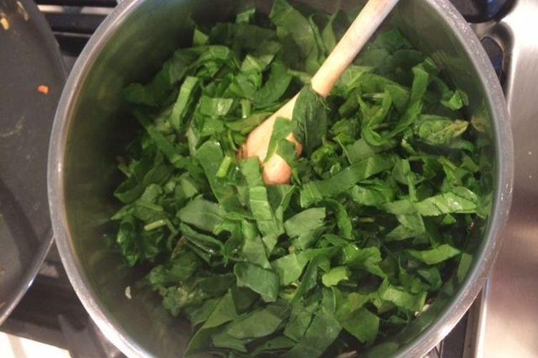 Spinach with Split-Peas and Coriander Tasha