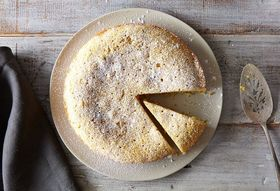 Ce7b63c6 96ec 4aad a3e7 22f6c181524e  2015 0112 lavendar polenta cake 5670