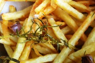 20437d0d ff07 486f aab2 3b273789ca47  salt and rosemary fries