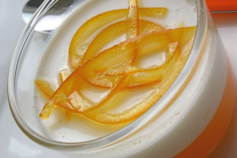 Vanilla panna cotta on clementine Amaretto gelee
