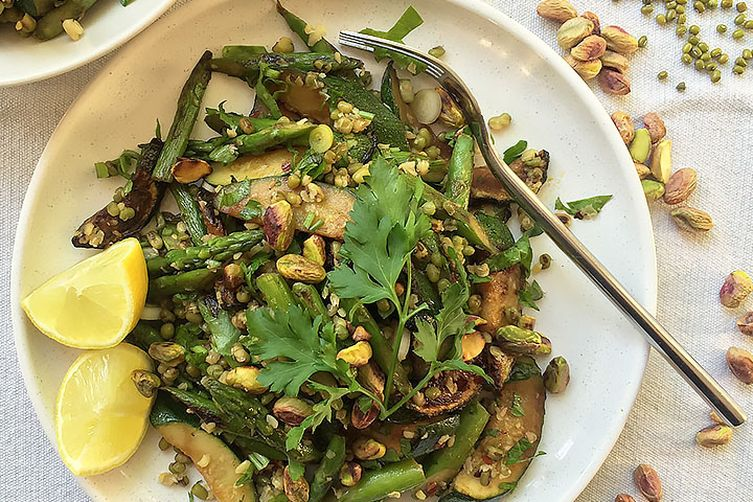 Mung beans salad with green veg & pistachios