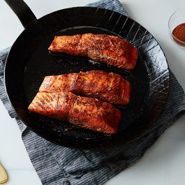 3129b7f2 0829 45ce b537 eb58c79525d3  2016 0218 seared salmon with cinnamon and chili powder mark weinberg 185
