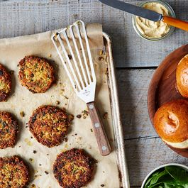 Sun-Dried Tomato, Basil, and White Bean Burgers