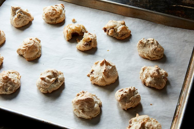 Figgy Almond Macaroons