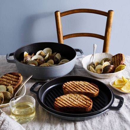5ac79e35 c229 4fb3 82a1 e4ea29f66e85  2018 0209 staub 2 in 1 grill pan and cocotte graphite 1x1 james ransom 377 preview