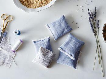 DIY Lavender Sachets To Make Your Sock Drawer Smell Like Heaven