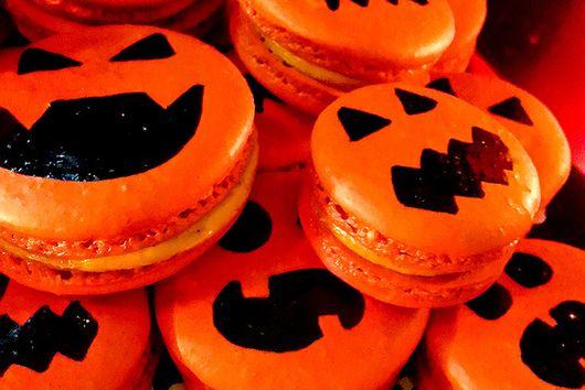 Pumpkin Spiced Jack-O-Lantern Macarons