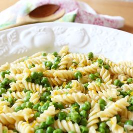Meter lemon peas and Parmesan pasta by Karen