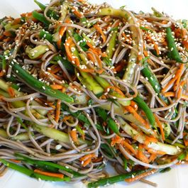 078763e2 96a2 47ca 9924 ed6aca321642  soba salad with mint scallion 1a