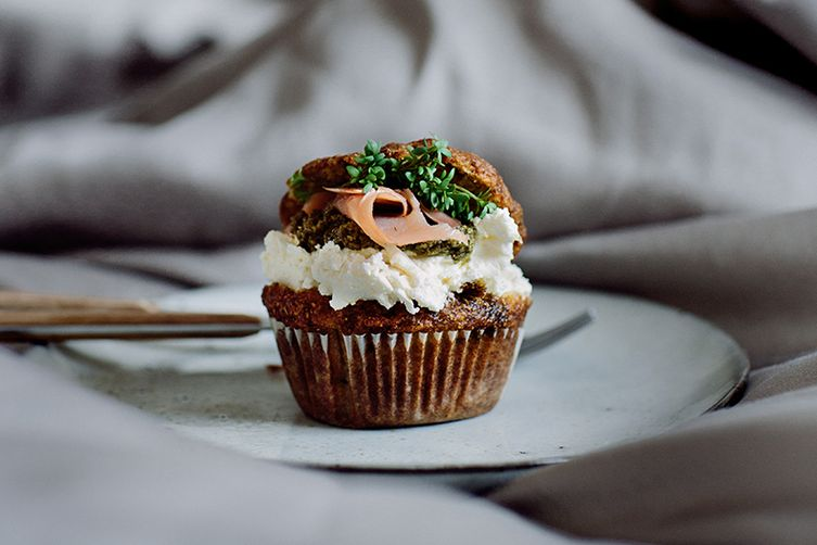 Savoury muffins with salmon, cream cheese and pesto