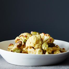 0cd1650c-6059-47f6-a4f9-040b0666d26c--2014-0325_cp_mustard-roasted-cauliflower-003